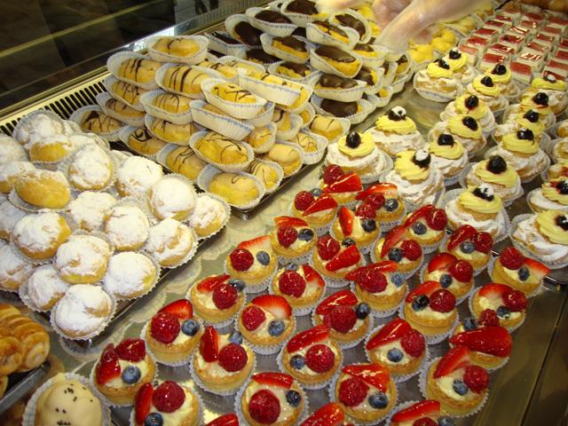 La Vela Bar Caffe Pasticceria Italienische Geburtstagstorten